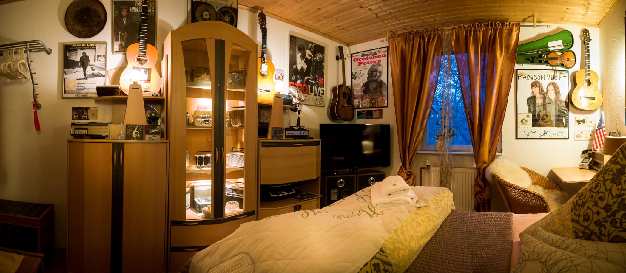 Ray_Wilson_Room_Bett